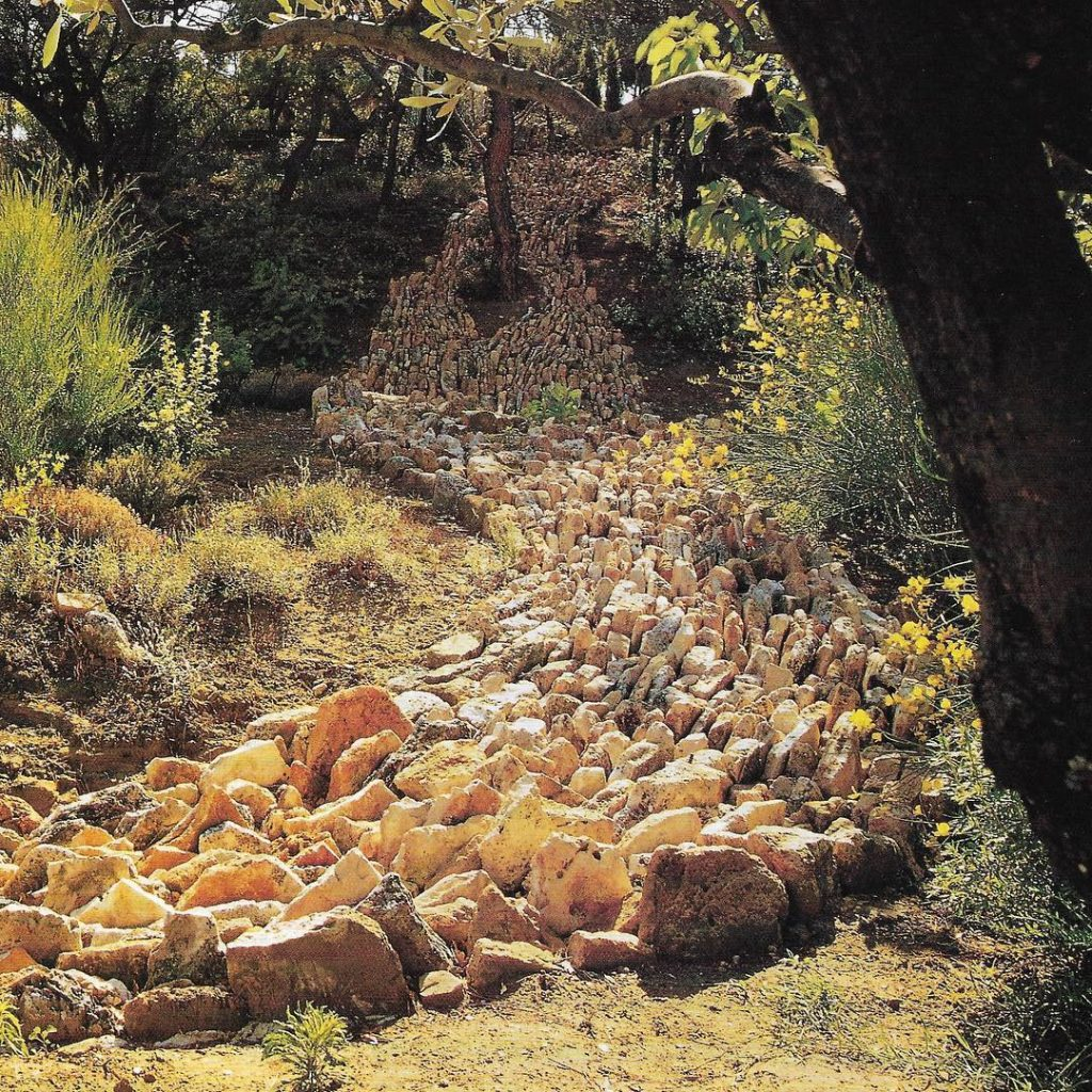 Stone used as land art In this dry landscape jaggedhellip